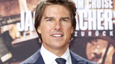 Tom Cruise has a new girlfriend, but probably still hasn't seen Suri in years
