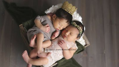 Romeo and Juliet babies in Shakespearean photo shoot