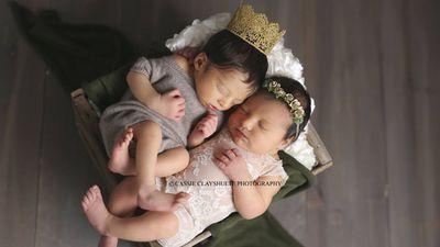 Romeo and Juliet babies in Shakespearean photo shoot