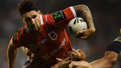 St George Illawarra Dragons pivot Gareth Widdop out for six weeks with knee injury