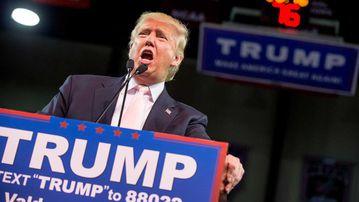 Donald Trump rallies the crowd in Georgia. (AAP)