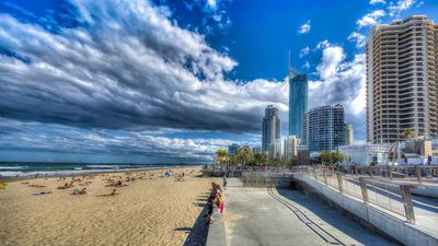 Where to stay in the Gold Coast: Broadbeach or Surfers Paradise?