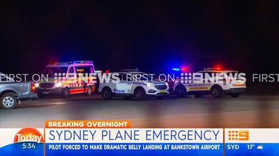 Plane makes belly landing in Sydney