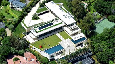 Jay-Z and Beyoncé finally buy Beverly Hills mansion