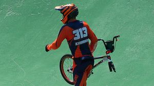 Niek Kimmann and half a bike walked into the semi-finals in Rio. (Getty Images)