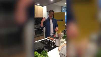 Why Jamie Oliver thinks that good food is like a good nightclub tune, and more tips to avoid food waste at home