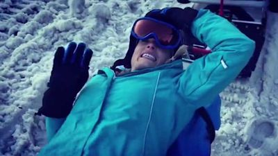 Erin Molan wheeled away on stretcher during ski trip in the Snowy Mountains