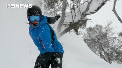 Biggest dumping of snow in years hits Aussie Alps