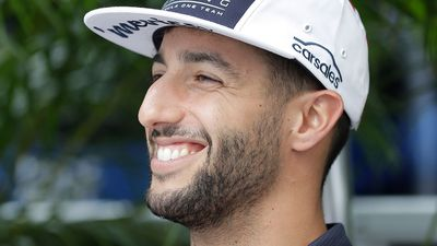 Mercedes switch on the cards for Aussie F1 star Daniel Ricciardo