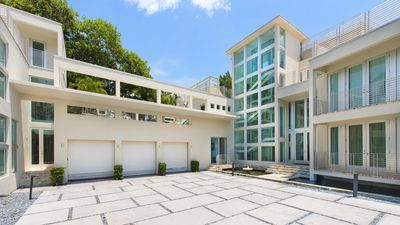Rapper Lil Wayne gets $13.2 million for Miami Beach pad
