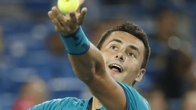 Tomic advances to quarter-finals in China