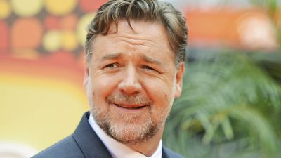 Russell Crowe swiftly shuts down body shamers after workout photo critique