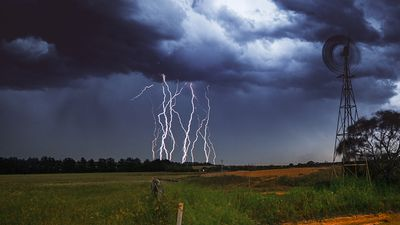 Deadly thunderstorm asthma looms again