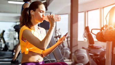 Stop using your phone when you work out