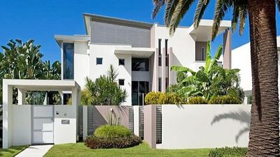 Clive Palmer sells Gold Coast mansion to a mate