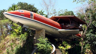 Retired Boeing 727 repurposed as a treetop hotel in Costa Rica