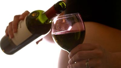 Man slammed for expressing concern over pregnant wife's drinking