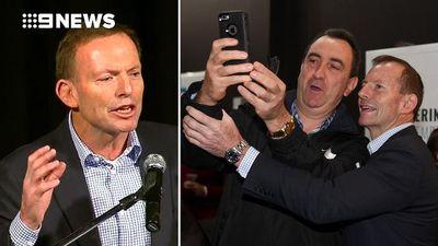 I'm an outsider like Trump: Abbott