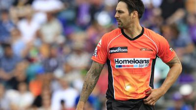 Johnson cops IPL paycut as Aussies ignored