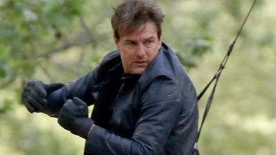 Tom Cruise apparently injured performing Mission: Impossible 6 stunt