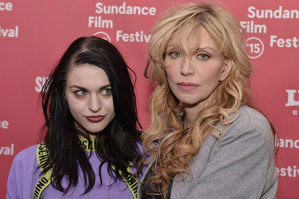 Kurt Cobains daughter Frances Bean admits she doesnt