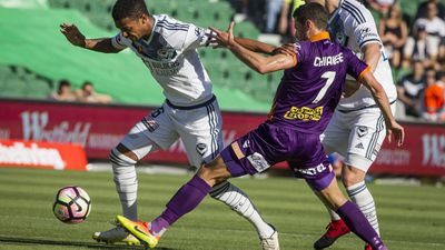 Glory beat Victory in A-League thriller