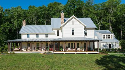 Miley Cyrus buys a rustic Tennessee ranch