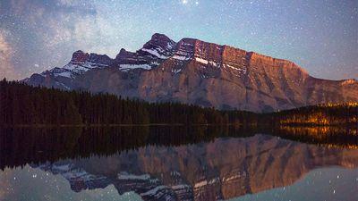 Aussie Instagram star captures Alberta's breathtaking scenery