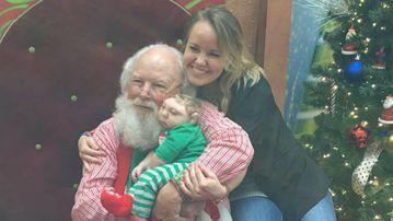 Jaxon Buell meets Santa. (Brandon Buell/Facebook)