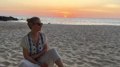 Kylie Minogue is makeup-free and glowing on a well-deserved holiday in Thailand