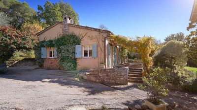 Rent Julia Child's charming cottage in Provence