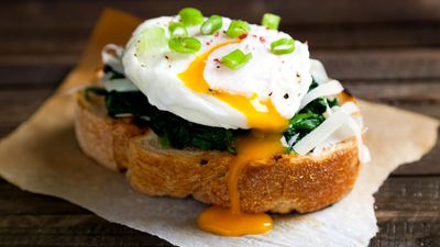 Poached eggs are as healthy as they are tasty. Here's how to make them perfectly