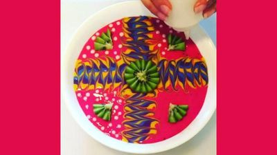 No, you're not tripping – this healthy mum creates the most psychedelic smoothie bowl videos