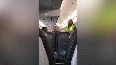 Father and daughter kicked off plane for 'talking'