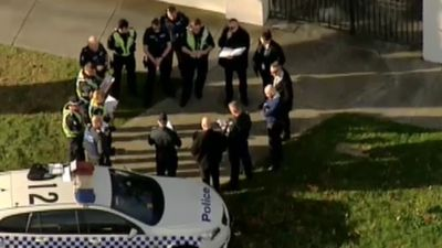 'Hostage situation' at Melbourne apartment deemed to be false alarm