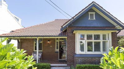 ABC's Leigh Sales lists her Sydney home for $3 million