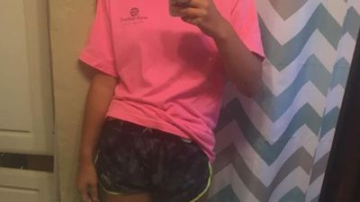 Teen slut-shamed for wearing shorts and a T-shirt on 40 degree day