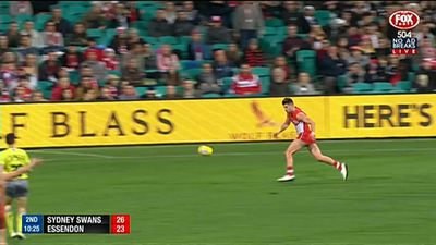 Swans pip 'Dons by a point in AFL thriller