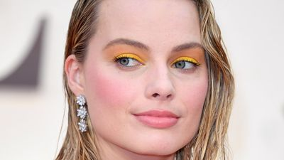Margot Robbie just wore yellow eye shadow