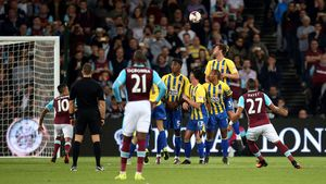 Payet to the rescue with stunning free-kick winner