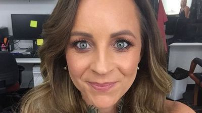 "Carrie Bickmore contemplates rocking full gray hair: ""Maybe I'll go with it"""