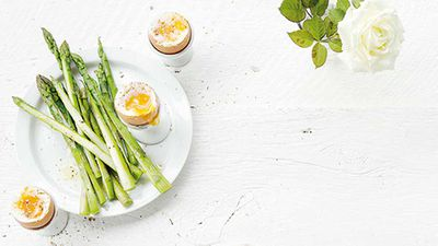 Dr Libby Weaver's sesame eggs with asparagus soldiers