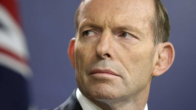 Abbott threatens to cross floor on energy