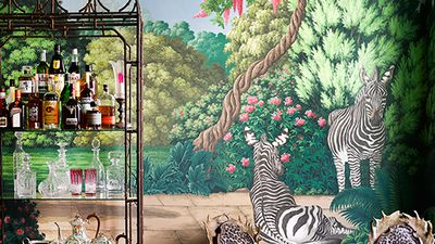 Beautiful wallpaper inspired by New York's Central Park Zoo