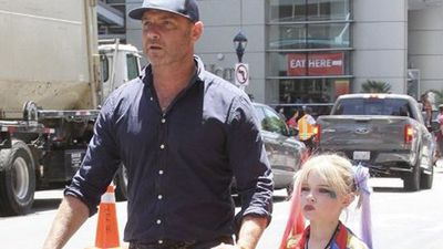 Liev Schreiber takes his son to Comic-Con dressed as Harley Quinn