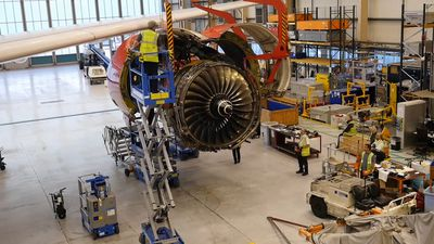 Incredible time-lapse footage shows Virgin plane engine getting replaced