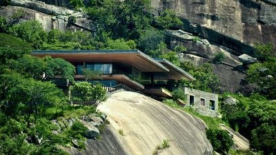Contemporary residence on the edge of the African jungle