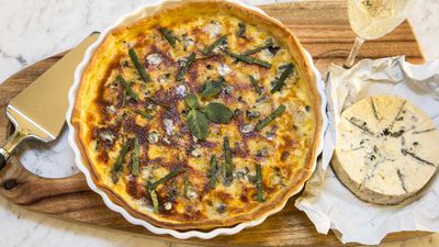 Quiche for dinner... that makes perfect lunch leftovers