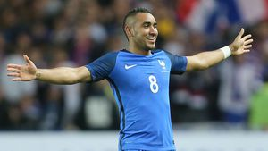 Last minute Payet free kick clinches win for France