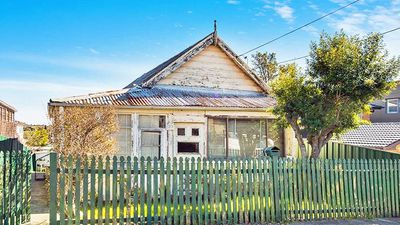 Crumbling century old Sydney house to fetch $1m